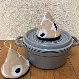ストウブ(STAUB)のストウブ 三角鍋つかみ ミトン マリメッコ ウニッコ(キッチン小物)