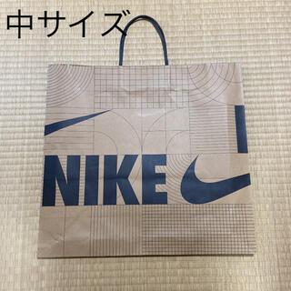 ナイキ(NIKE)のナイキ 紙袋 ショッパー 中サイズ 梱包資材(ショップ袋)