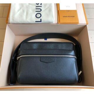 LOUIS VUITTON - Louis Vuitton Outdoor Taiga Noir メッセンジャー