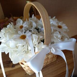 オフホワイトマム、リングピローカゴ、リングピローかご。紫陽花。(リングピロー)