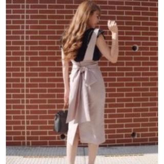 リエンダ(rienda)のバックリボンタイトスカート(ひざ丈スカート)