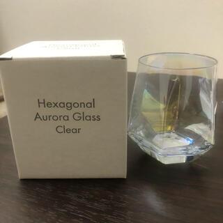 スリーコインズ(3COINS)のオーロラグラス 6角形(グラス/カップ)