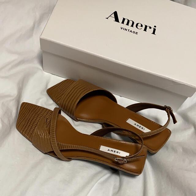Ameri VINTAGE(アメリヴィンテージ)のAmeri vintage ASYMMETRY THONG SANDAL レディースの靴/シューズ(サンダル)の商品写真