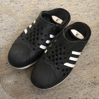 アディダス(adidas)のadidas(アディダス) 踵が踏める!コートアダプト サンダル スリッポン(スリッポン/モカシン)