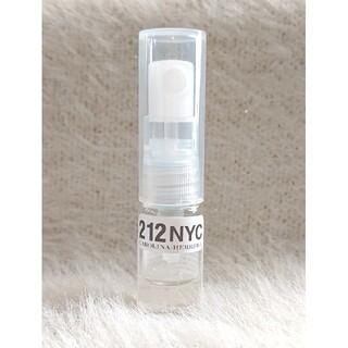 キャロライナヘレナ(CAROLINA HERRERA)のキャロライナヘレナ 212 オードトワレ 1.5ml お試し ミニ サンプル(香水(女性用))