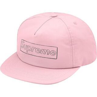シュプリーム(Supreme)のsupreme KAWS Chalk Logo 5-Panel pink(キャップ)