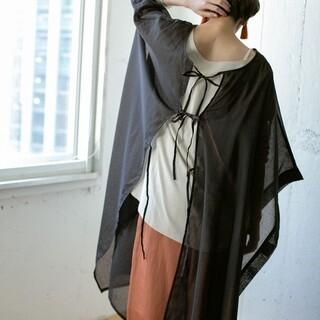 ケービーエフプラス(KBF+)のバックオープンシャツ(Tシャツ(半袖/袖なし))