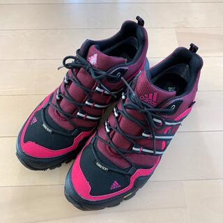 アディダス(adidas)のアディダス トレッキングシューズ 23.5【poppe様専用】(登山用品)