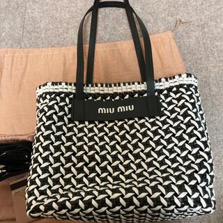 ミュウミュウ(miumiu)のミュウミュウトートバッグ(トートバッグ)