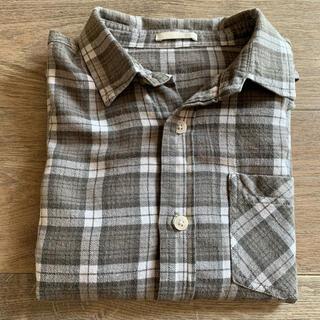 ジーユー(GU)のチェックシャツ(ブラウス)