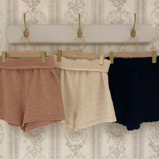 one after another NICE CLAUP - treat ürself heart knit short pants pink