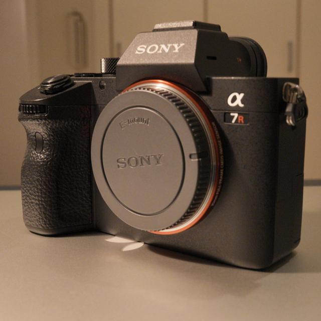 SONY(ソニー)のsony α7r3 おまけ付き スマホ/家電/カメラのカメラ(ミラーレス一眼)の商品写真