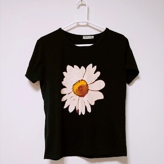 お花 黒Tシャツ(その他)