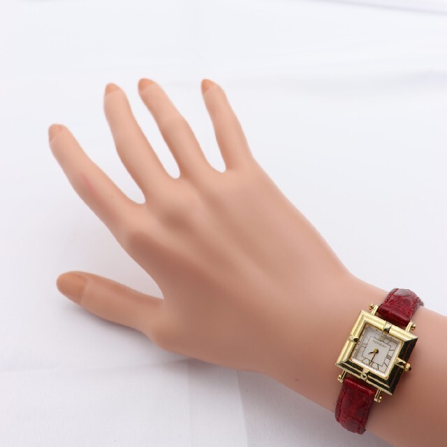 Saint Laurent(サンローラン)の正規品【新品電池】YvesSaintLaurent/5420 スクエア 動作品 レディースのファッション小物(腕時計)の商品写真