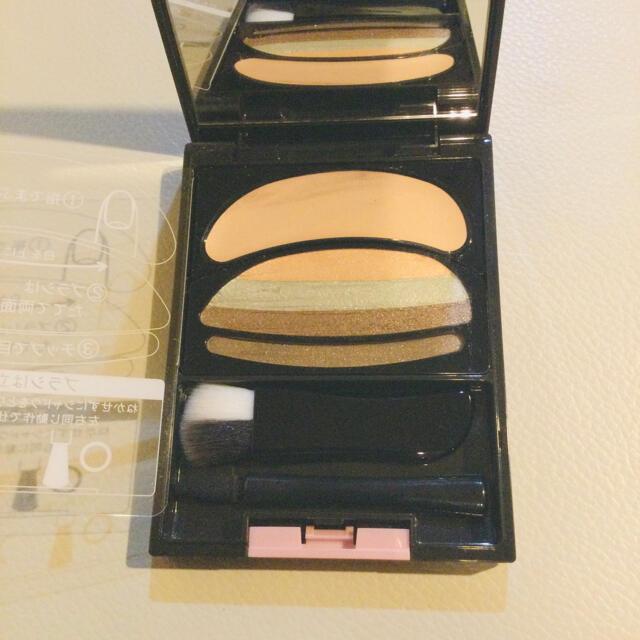 AUBE couture(オーブクチュール)のオーブクチュール ブラシひと塗りシャドウ 565 グリーン系  花王 コスメ/美容のベースメイク/化粧品(アイシャドウ)の商品写真