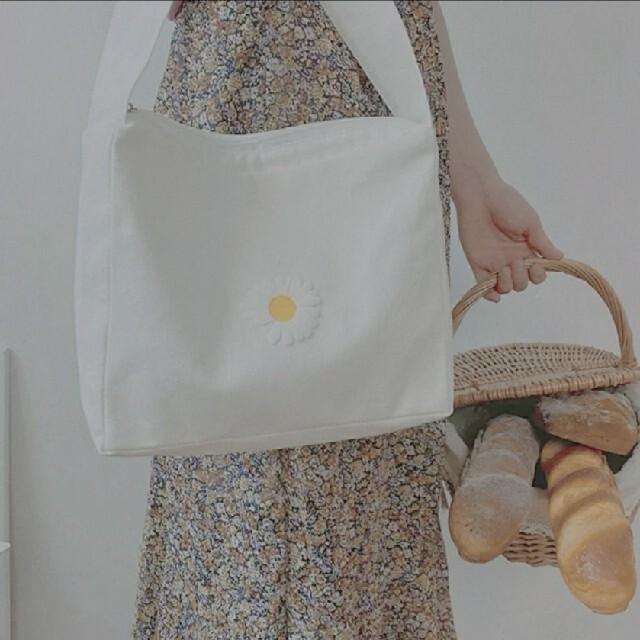 GOGOSING(ゴゴシング)の韓国 マーガレット バッグ  レディースのバッグ(ショルダーバッグ)の商品写真