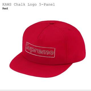 シュプリーム(Supreme)のSupreme KAWS Chalk Logo 5-Panel Red(キャップ)