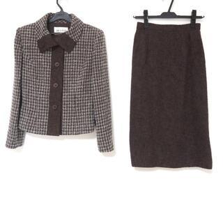 ジュンアシダ(jun ashida)のジュンアシダ スカートスーツ サイズ7 S -(スーツ)