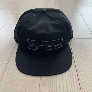 シュプリーム(Supreme)のsupreme kaws chalk logo 5-panel cap(キャップ)