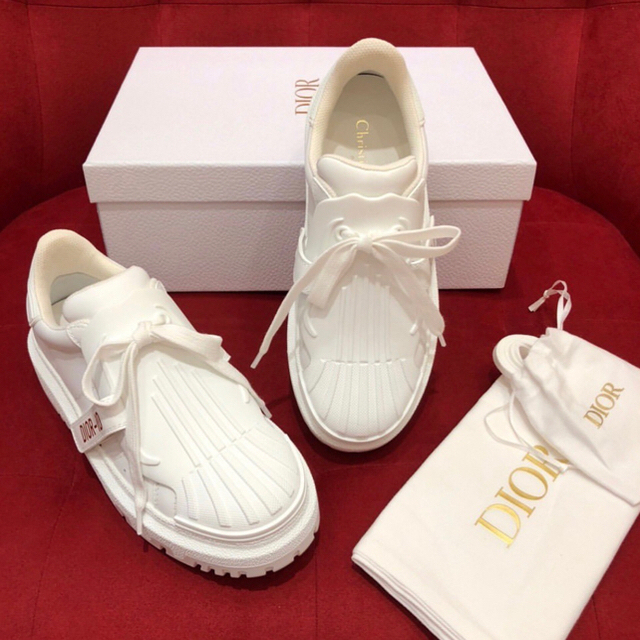 Dior(ディオール)の新品未使用★DIOR-ID スニーカー ホワイト  レディースの靴/シューズ(スニーカー)の商品写真
