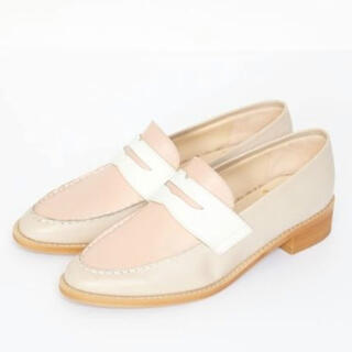 フレイアイディー(FRAY I.D)の美品 FRAY I.D 本革 バイカラーローファー (ローファー/革靴)
