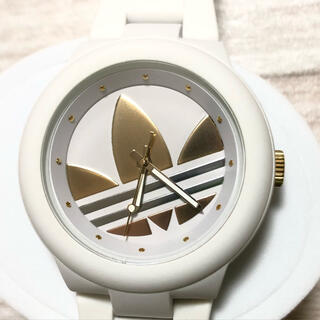 アディダス(adidas)のadidas アディダス腕時計 アバディーン ホワイト×ゴールド ADH9083(腕時計)