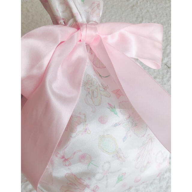 Maison de FLEUR(メゾンドフルール)のたけいみき 巾着ポーチ レディースのファッション小物(ポーチ)の商品写真