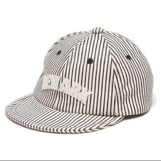 プティマイン(petit main)のプティマイン ロゴワッペンつきストライプキャップ  帽子 54cm(帽子)