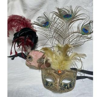 ハロウィン仮装仮面ベネチアンマスク孔雀羽根カーニバルマスク金イエローゴールド緑(小道具)
