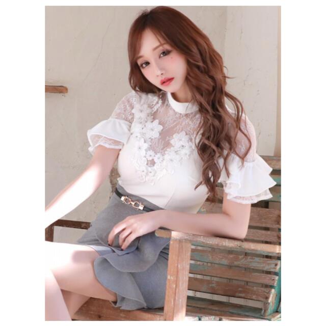 JEWELS(ジュエルズ)のジュエルズ ミニドレス グレー ホワイト お花 レディースのフォーマル/ドレス(ナイトドレス)の商品写真