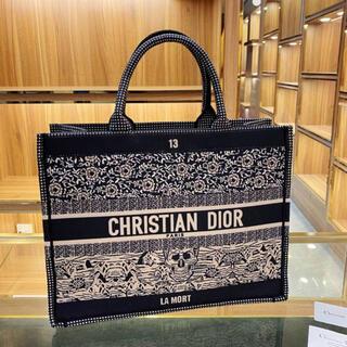 ディオール(Dior)の【日本未入荷】dior ブックトート ラージサイズ(トートバッグ)