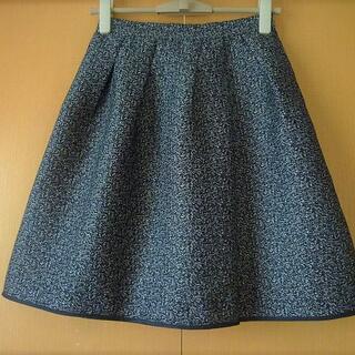 エムプルミエ(M-premier)のジャスグリッティー☆可愛らしいスカート(ひざ丈スカート)