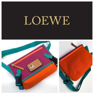 ロエベ(LOEWE)のロエベ キャンバス ユニセックス ショルダーバッグ 部分レザー(ショルダーバッグ)