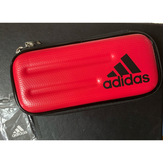 アディダス(adidas)の新品✨adidas 赤 ペンケース (ペンケース/筆箱)