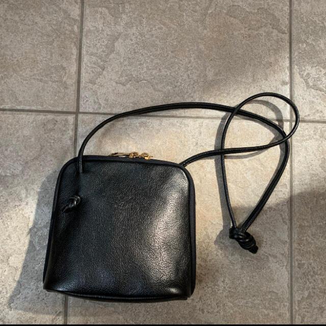 IL BISONTE(イルビゾンテ)のクロスボディバック レディースのバッグ(ショルダーバッグ)の商品写真
