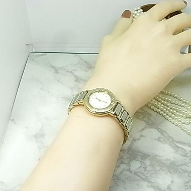 Saint Laurent(サンローラン)のイヴサンローラン YSL ラウンド ホワイト レディース ウォッチ1327 レディースのファッション小物(腕時計)の商品写真