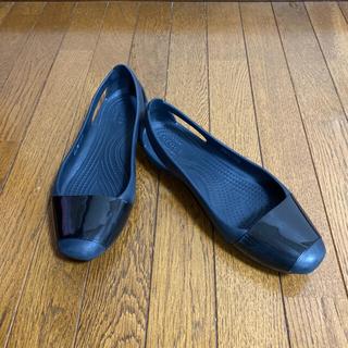 crocs - クロックス シエンナ フラット 黒エナメル W6