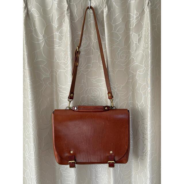 HERZ(ヘルツ)のヘルツ ナレッジバッグ チョコ Sサイズ メンズのバッグ(ショルダーバッグ)の商品写真