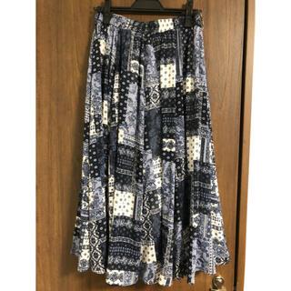 エニィファム(anyFAM)の バンダナパネルプリント スカート(ロングスカート)
