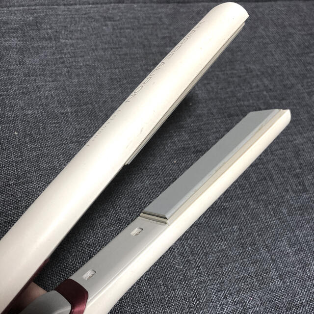 Lumiere Blanc(リュミエールブラン)のヘアビューロン はるかさん専用 スマホ/家電/カメラの美容/健康(ヘアアイロン)の商品写真