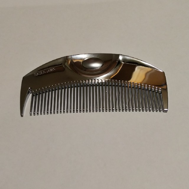 ラブクロム コーム Fシルバー ツキ コスメ/美容のヘアケア/スタイリング(ヘアブラシ/クシ)の商品写真