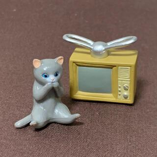 エポック(EPOCH)の昭和家電と猫 4 テレビ(薄茶)とグレー猫(ミニチュア)