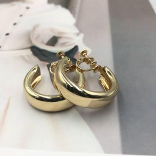 Ameri VINTAGE - 人気商品残り3点♡ ぷっくり フォルム フープイヤリング ♡ ゴールド