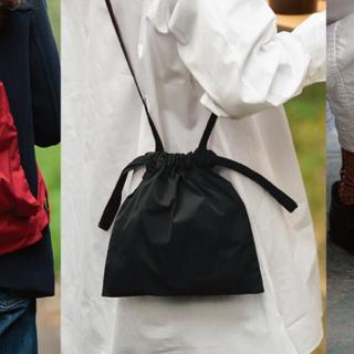 イデー(IDEE)の新品 ドローストリングバッグ ショルダー 巾着バッグ ミニバッグ(ショルダーバッグ)