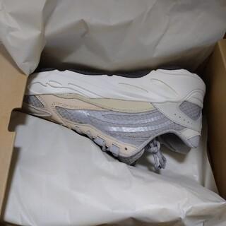 """アディダス(adidas)のADIDAS YEEZY BOOST 700 V2 """"CREAM"""" (スニーカー)"""