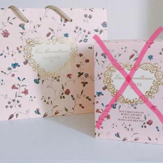 レメルヴェイユーズラデュレ(Les Merveilleuses LADUREE)のラデュレ チークポット ショッパー 紙袋(ショップ袋)