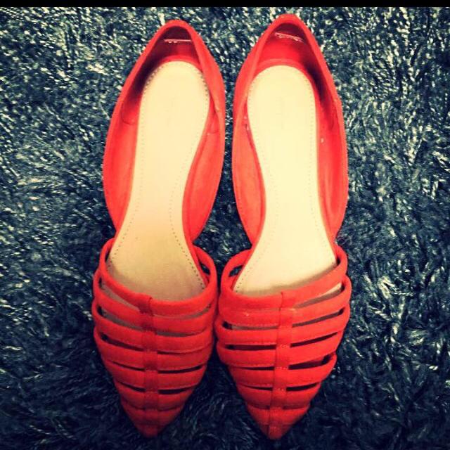ZARA(ザラ)のフラットシューズ レディースの靴/シューズ(ハイヒール/パンプス)の商品写真