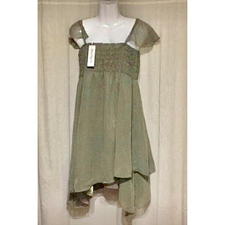 新品 タグ付き❤️裾がアシンメトリー ドレス(ミディアムドレス)