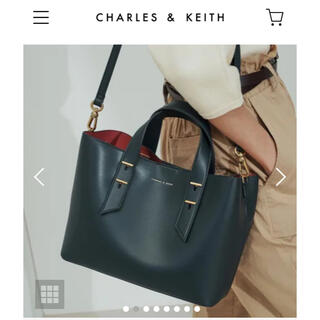チャールズアンドキース(Charles and Keith)のCHARLES&KEITH/ダブルハンドルスローチーバッグ(ハンドバッグ)