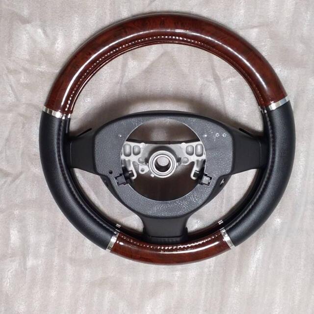 ダイハツ(ダイハツ)の自動車 ハンドル ステアリング 自動車/バイクの自動車(車内アクセサリ)の商品写真